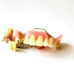 何度作りかえても入れ歯が合わなくなる原因がわかった!
